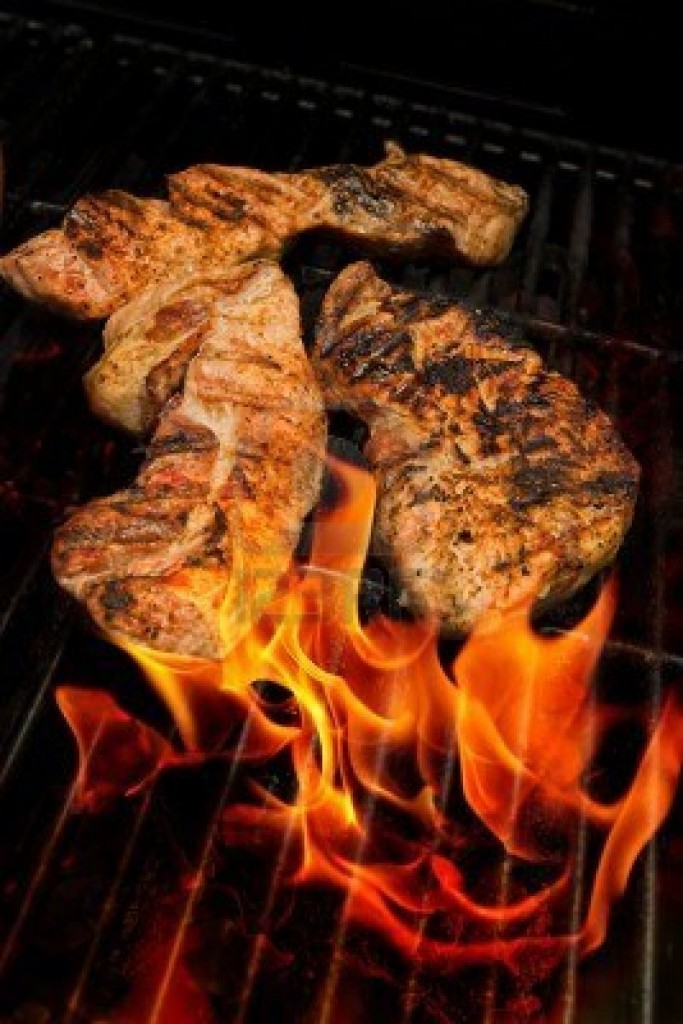 3221592-barbecue-vlees-op-grill